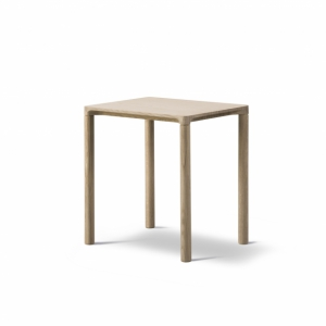 Piloti Side Table